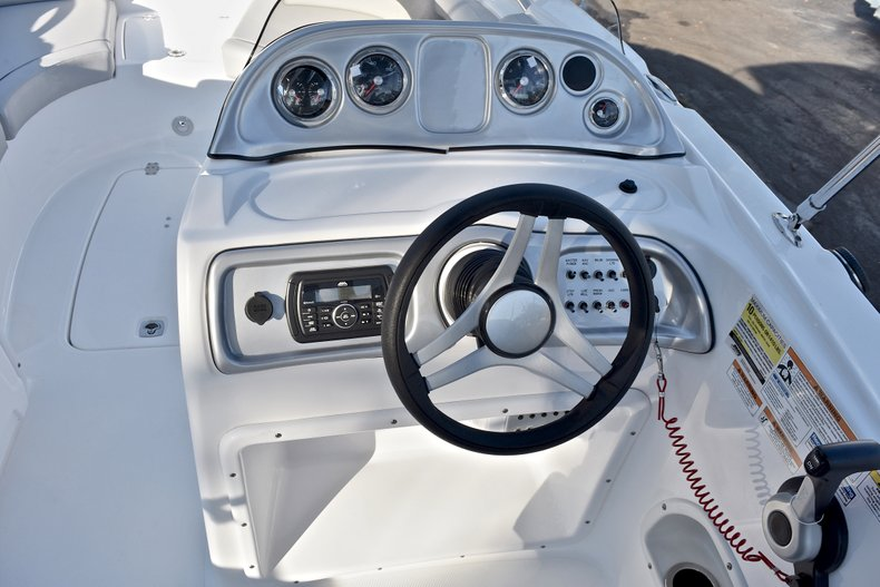 Thumbnail 24 for New 2018 Hurricane 203 SunDeck Sport OB boat for sale in West Palm Beach, FL