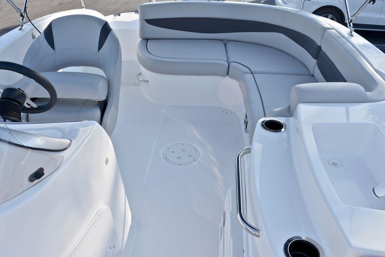 Thumbnail 12 for New 2018 Hurricane 203 SunDeck Sport OB boat for sale in West Palm Beach, FL