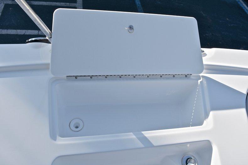 Thumbnail 32 for New 2018 Hurricane 203 SunDeck Sport OB boat for sale in Fort Lauderdale, FL