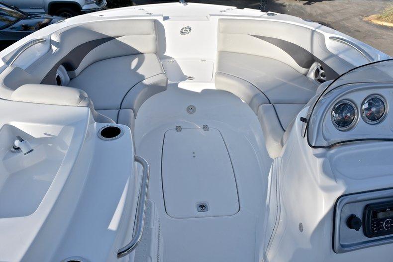 Thumbnail 35 for New 2018 Hurricane 203 SunDeck Sport OB boat for sale in Fort Lauderdale, FL