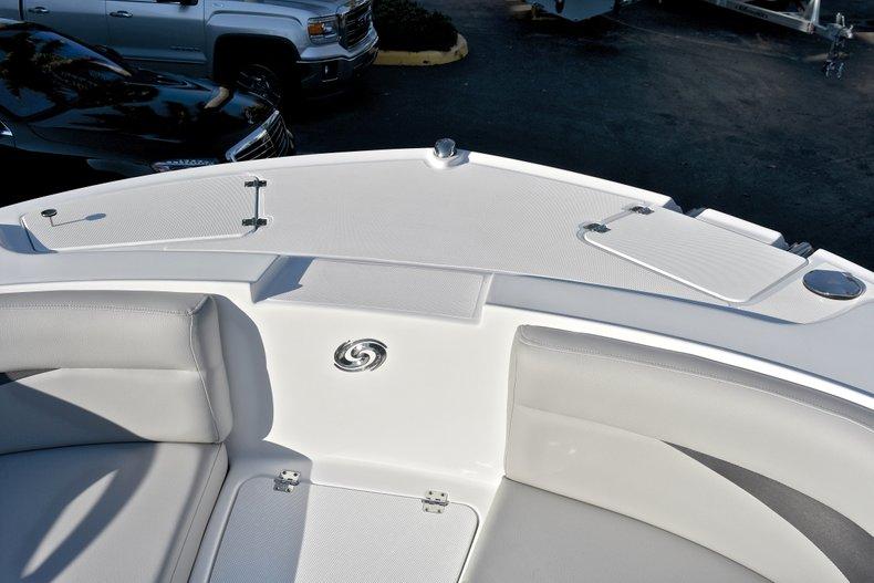 Thumbnail 42 for New 2018 Hurricane 203 SunDeck Sport OB boat for sale in West Palm Beach, FL