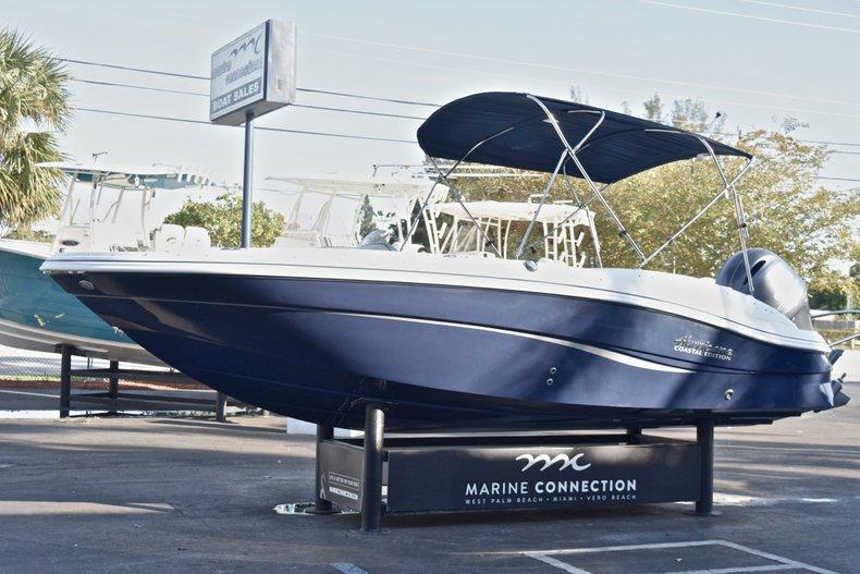 Thumbnail 3 for New 2018 Hurricane 203 SunDeck Sport OB boat for sale in West Palm Beach, FL