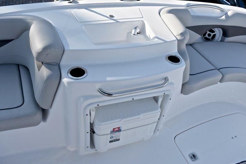 Thumbnail 31 for New 2018 Hurricane 203 SunDeck Sport OB boat for sale in Fort Lauderdale, FL