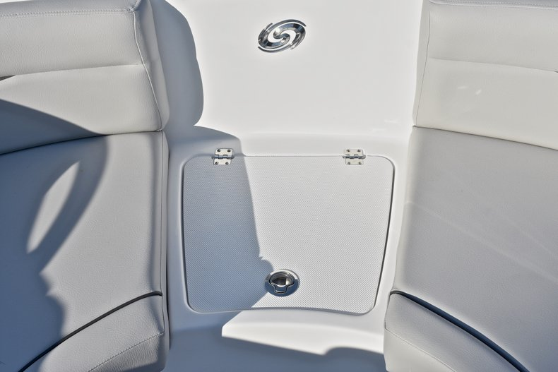 Thumbnail 40 for New 2018 Hurricane 203 SunDeck Sport OB boat for sale in West Palm Beach, FL
