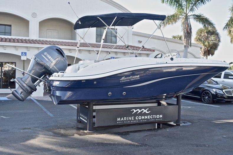 Thumbnail 7 for New 2018 Hurricane 203 SunDeck Sport OB boat for sale in West Palm Beach, FL