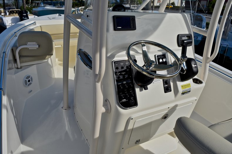 Thumbnail 24 for New 2018 Cobia 220 Center Console boat for sale in Fort Lauderdale, FL