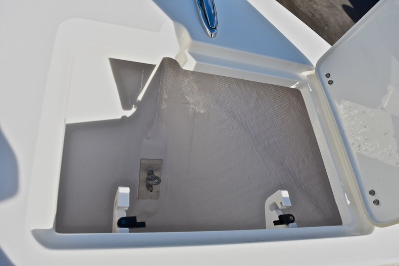 Thumbnail 41 for New 2018 Cobia 220 Center Console boat for sale in Fort Lauderdale, FL