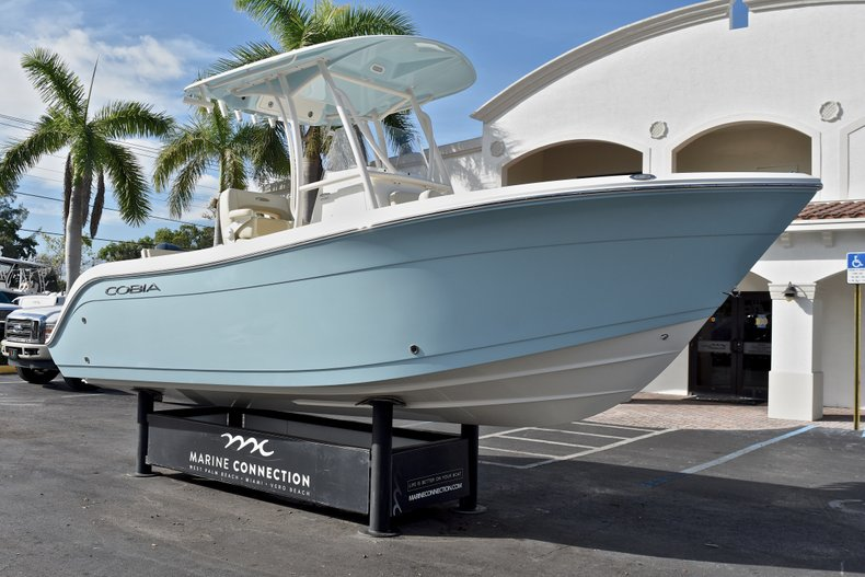 Thumbnail 1 for New 2018 Cobia 220 Center Console boat for sale in Fort Lauderdale, FL