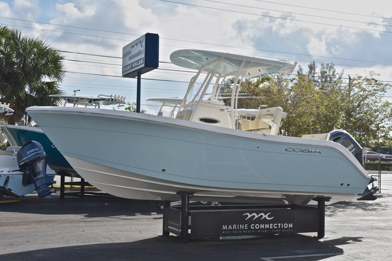 Thumbnail 3 for New 2018 Cobia 220 Center Console boat for sale in Fort Lauderdale, FL