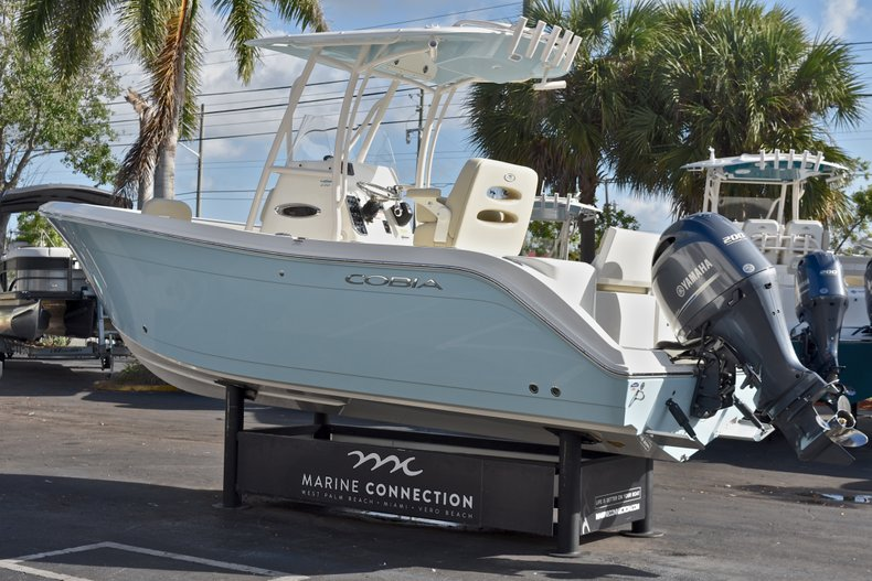 Thumbnail 5 for New 2018 Cobia 220 Center Console boat for sale in Fort Lauderdale, FL