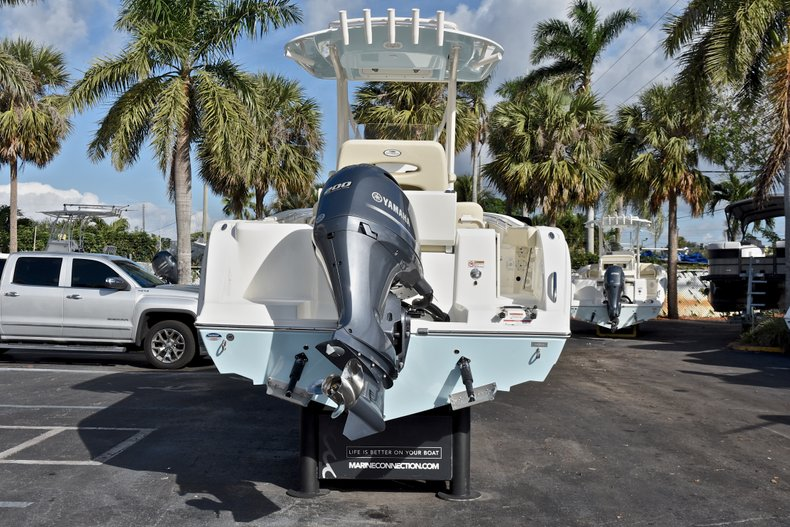 Thumbnail 6 for New 2018 Cobia 220 Center Console boat for sale in Fort Lauderdale, FL