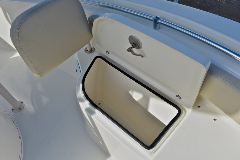 Thumbnail 38 for New 2018 Cobia 220 Center Console boat for sale in Fort Lauderdale, FL