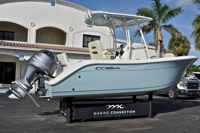 Thumbnail 7 for New 2018 Cobia 220 Center Console boat for sale in Fort Lauderdale, FL