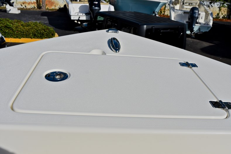 Thumbnail 42 for New 2018 Cobia 220 Center Console boat for sale in Fort Lauderdale, FL