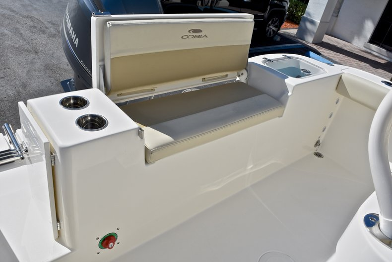 Thumbnail 11 for New 2018 Cobia 220 Center Console boat for sale in Fort Lauderdale, FL