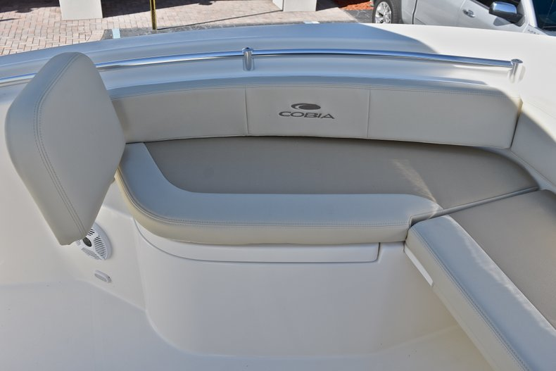 Thumbnail 43 for New 2018 Cobia 220 Center Console boat for sale in Fort Lauderdale, FL