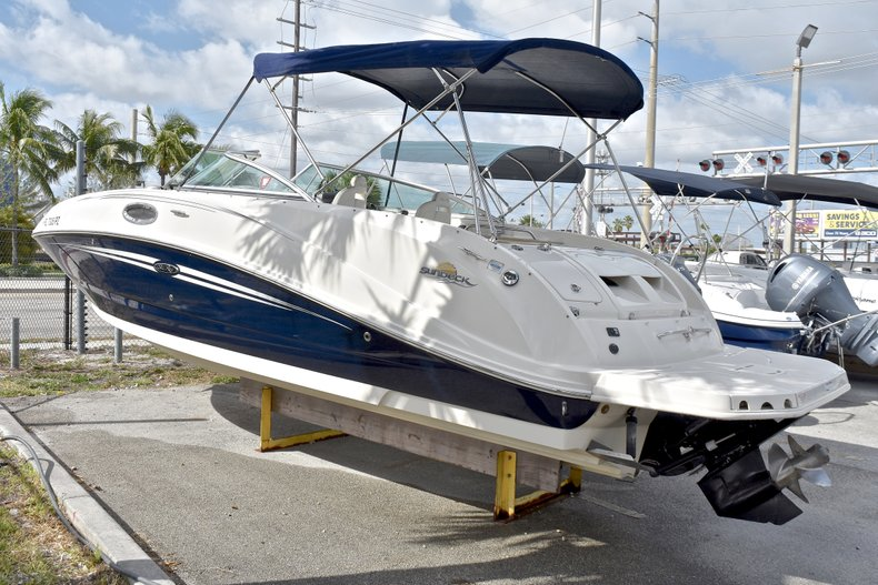 Used 2007 Sea Ray 260 Sundeck boat for sale in Fort Lauderdale, FL