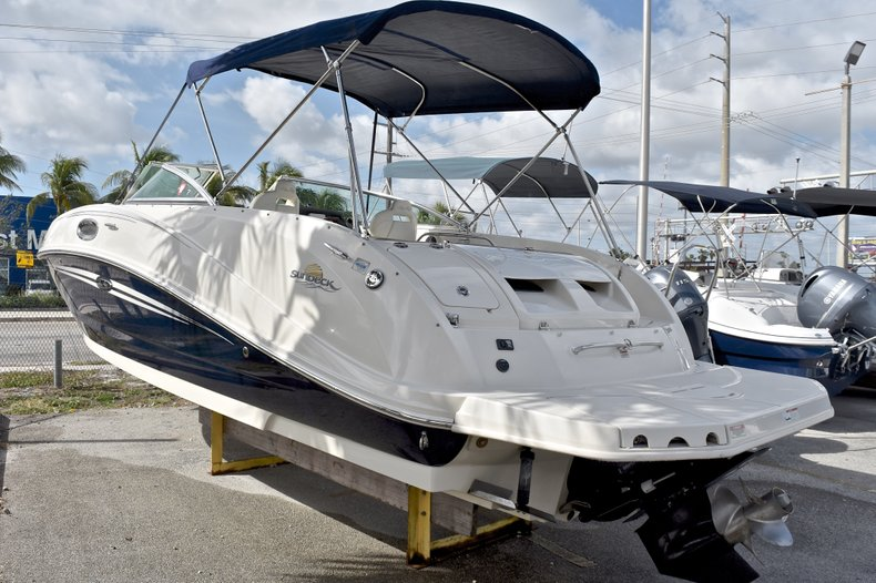 Thumbnail 6 for Used 2007 Sea Ray 260 Sundeck boat for sale in Fort Lauderdale, FL