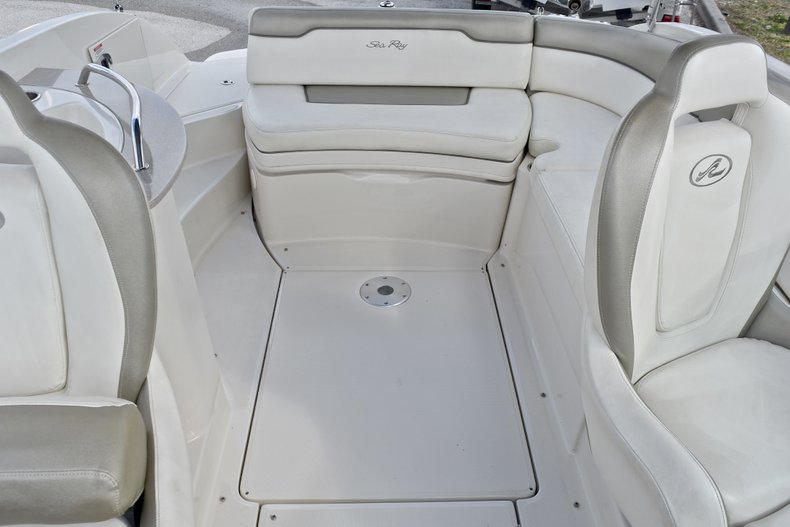 Thumbnail 16 for Used 2007 Sea Ray 260 Sundeck boat for sale in Fort Lauderdale, FL