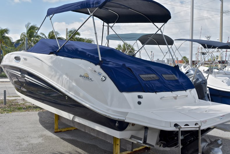 Thumbnail 60 for Used 2007 Sea Ray 260 Sundeck boat for sale in Fort Lauderdale, FL