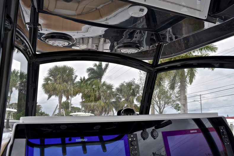 Thumbnail 57 for New 2018 Sportsman Open 312 Center Console boat for sale in Fort Lauderdale, FL