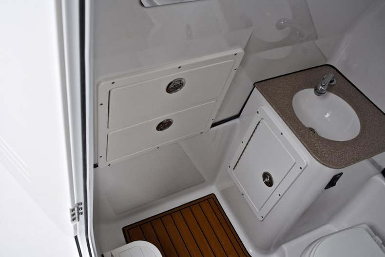 Thumbnail 73 for New 2018 Sportsman Open 312 Center Console boat for sale in Fort Lauderdale, FL