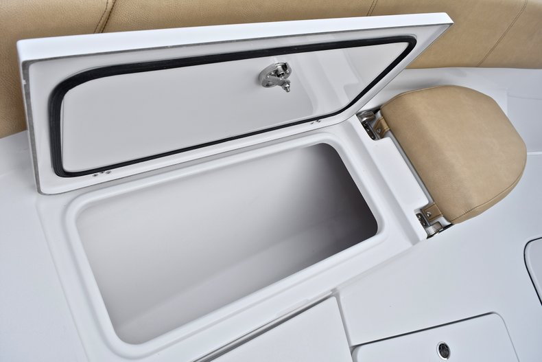 Thumbnail 84 for New 2018 Sportsman Open 312 Center Console boat for sale in Fort Lauderdale, FL