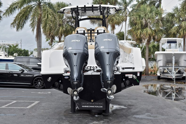 Thumbnail 8 for New 2018 Sportsman Open 312 Center Console boat for sale in Fort Lauderdale, FL