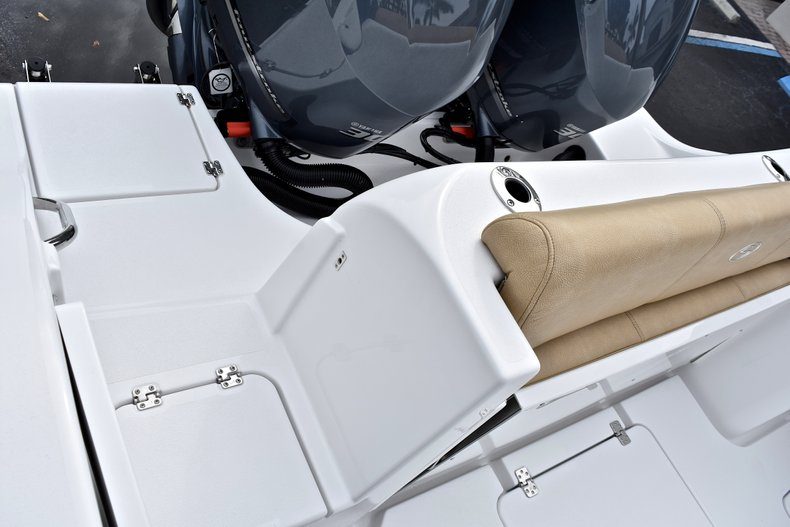 Thumbnail 11 for New 2018 Sportsman Open 312 Center Console boat for sale in Fort Lauderdale, FL