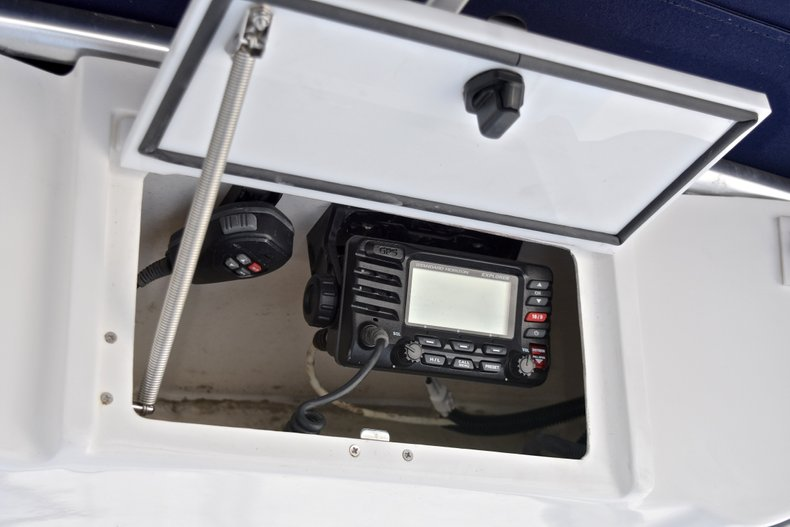 Thumbnail 23 for Used 2015 Sea Hunt 211 Ultra boat for sale in Fort Lauderdale, FL