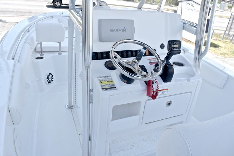 Thumbnail 25 for Used 2015 Sea Hunt 211 Ultra boat for sale in Fort Lauderdale, FL