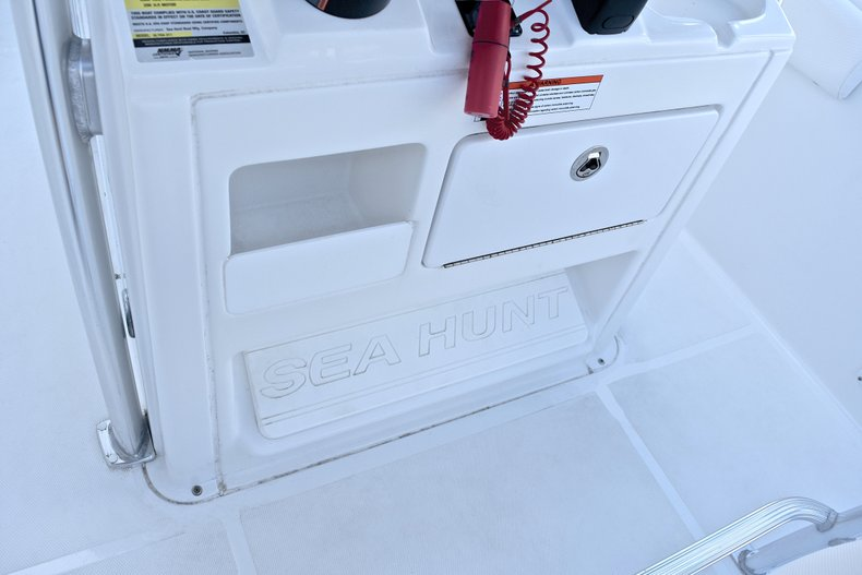 Thumbnail 35 for Used 2015 Sea Hunt 211 Ultra boat for sale in Fort Lauderdale, FL