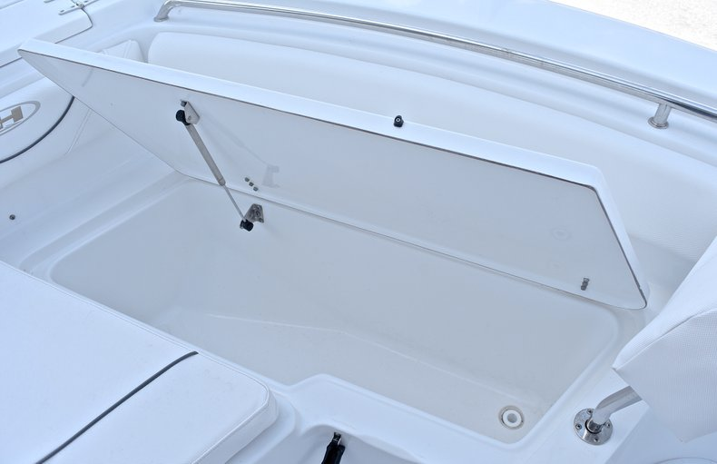 Thumbnail 43 for Used 2015 Sea Hunt 211 Ultra boat for sale in Fort Lauderdale, FL