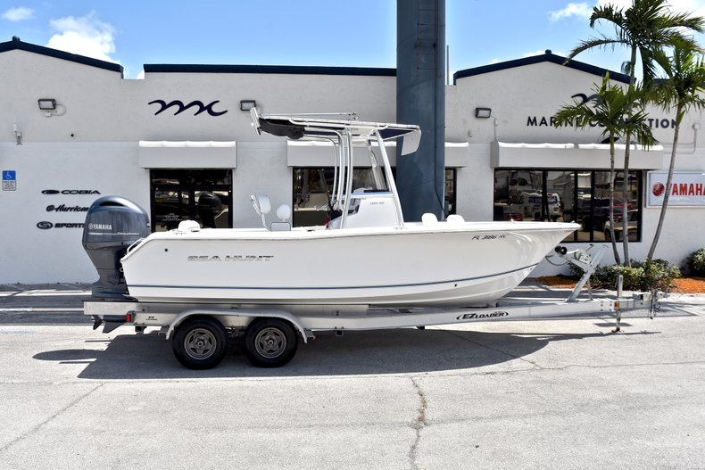 Used 2015 Sea Hunt 211 Ultra boat for sale in Fort Lauderdale, FL