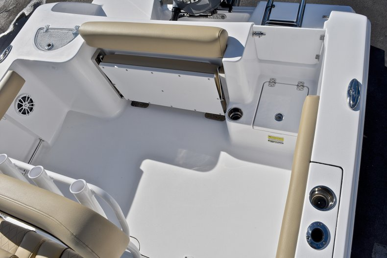 Thumbnail 10 for New 2018 Sportsman Open 232 Center Console boat for sale in Fort Lauderdale, FL