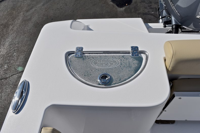 Thumbnail 12 for New 2018 Sportsman Open 232 Center Console boat for sale in Fort Lauderdale, FL