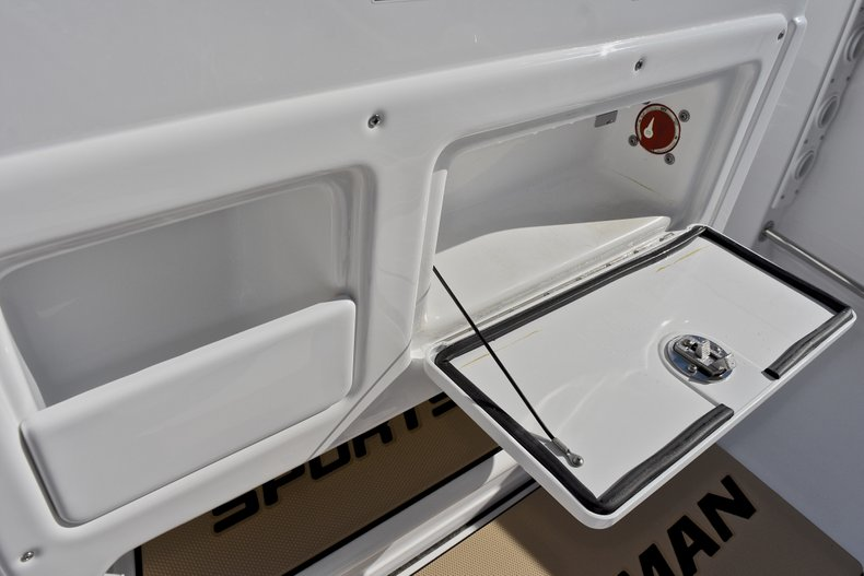 Thumbnail 38 for New 2018 Sportsman Open 232 Center Console boat for sale in Fort Lauderdale, FL