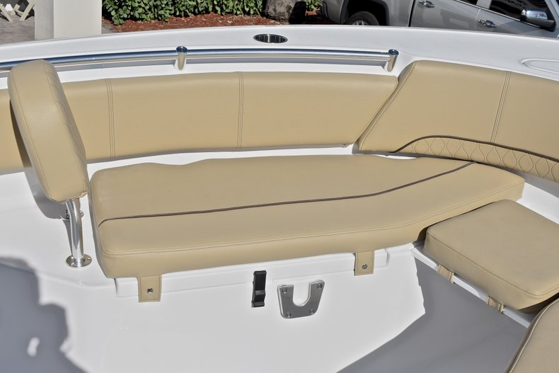 Thumbnail 49 for New 2018 Sportsman Open 232 Center Console boat for sale in Fort Lauderdale, FL