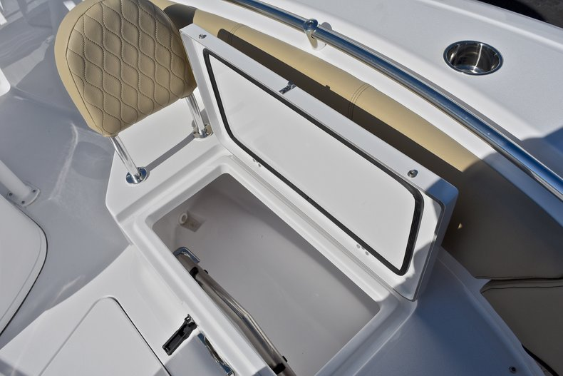 Thumbnail 50 for New 2018 Sportsman Open 232 Center Console boat for sale in Fort Lauderdale, FL
