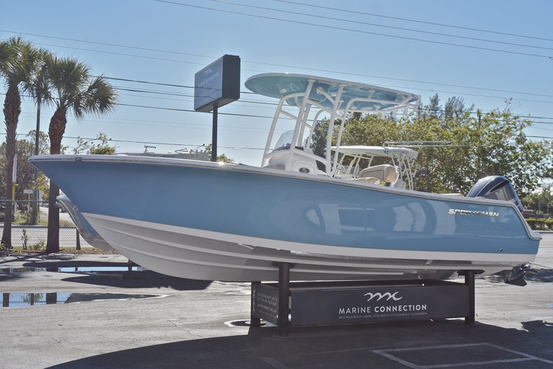 Thumbnail 3 for New 2018 Sportsman Open 232 Center Console boat for sale in Fort Lauderdale, FL