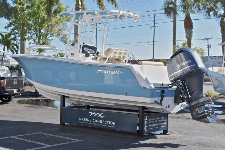 Thumbnail 5 for New 2018 Sportsman Open 232 Center Console boat for sale in Fort Lauderdale, FL