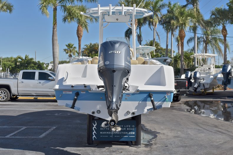 Thumbnail 6 for New 2018 Sportsman Open 232 Center Console boat for sale in Fort Lauderdale, FL