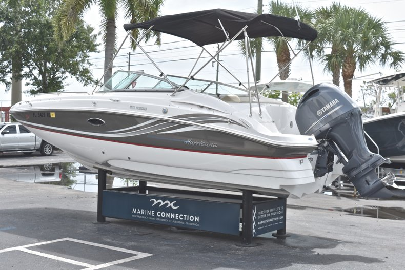 Thumbnail 5 for Used 2016 Hurricane SunDeck SD 2200 OB boat for sale in Fort Lauderdale, FL
