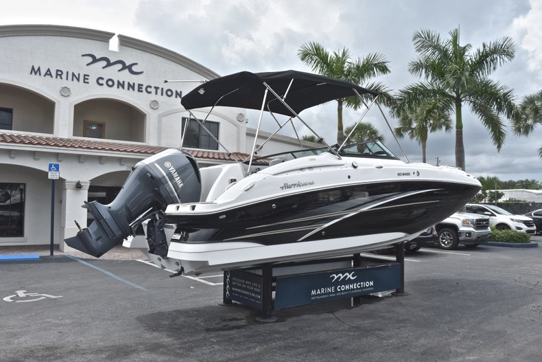 Thumbnail 7 for New 2018 Hurricane SunDeck SD 2400 OB boat for sale in Fort Lauderdale, FL