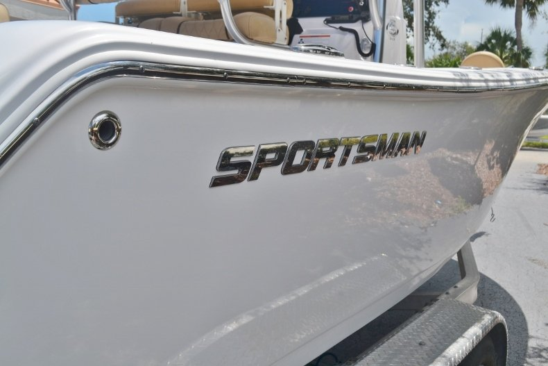 Thumbnail 6 for New 2019 Sportsman Open 212 Center Console boat for sale in Fort Lauderdale, FL