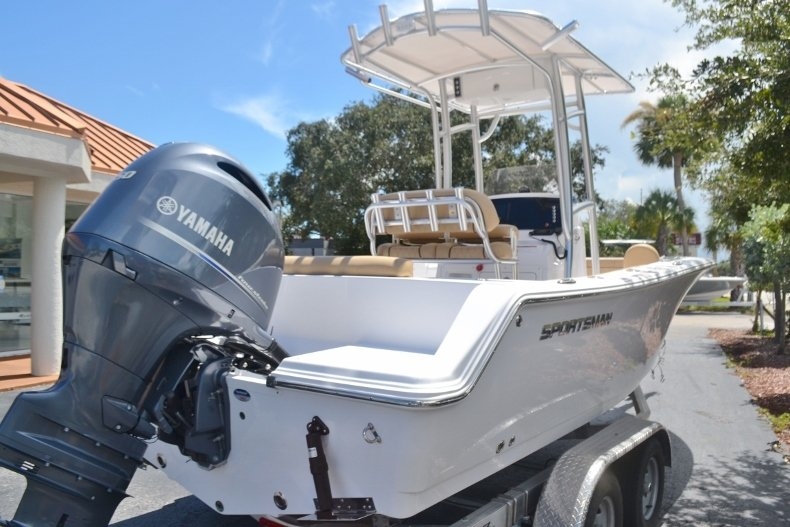 Thumbnail 5 for New 2019 Sportsman Open 212 Center Console boat for sale in Fort Lauderdale, FL