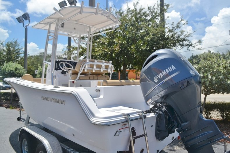 Thumbnail 3 for New 2019 Sportsman Open 212 Center Console boat for sale in Fort Lauderdale, FL