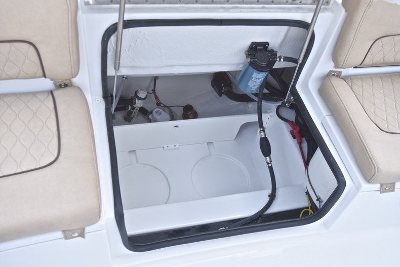 Thumbnail 18 for New 2019 Sportsman Heritage 241 Center Console boat for sale in Fort Lauderdale, FL