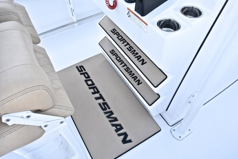 Thumbnail 44 for New 2019 Sportsman Heritage 241 Center Console boat for sale in Fort Lauderdale, FL