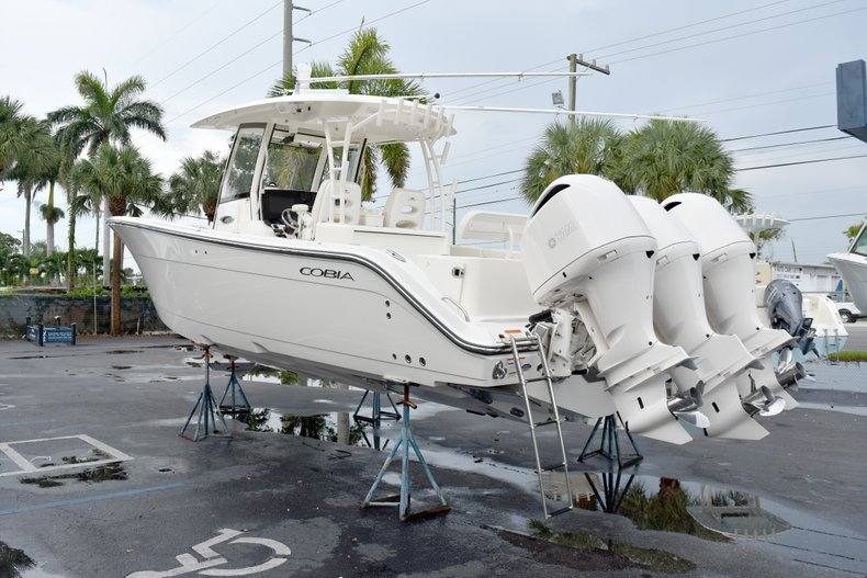 Thumbnail 5 for New 2019 Cobia 344 Center Console boat for sale in Fort Lauderdale, FL